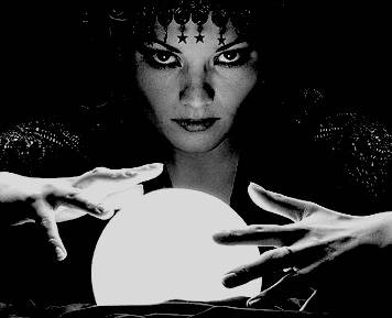 voyante avec boule de cristal