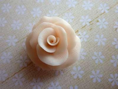 fleur de couleur chair