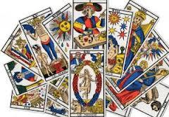 Peut-on connaître le sort de quelqu'un à partir du tarot divinatoire ?