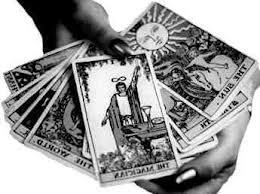 Le tarot divinatoire : la carte qui vous révèle tout